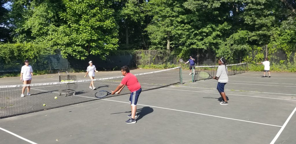 NGTE kids playing tennis