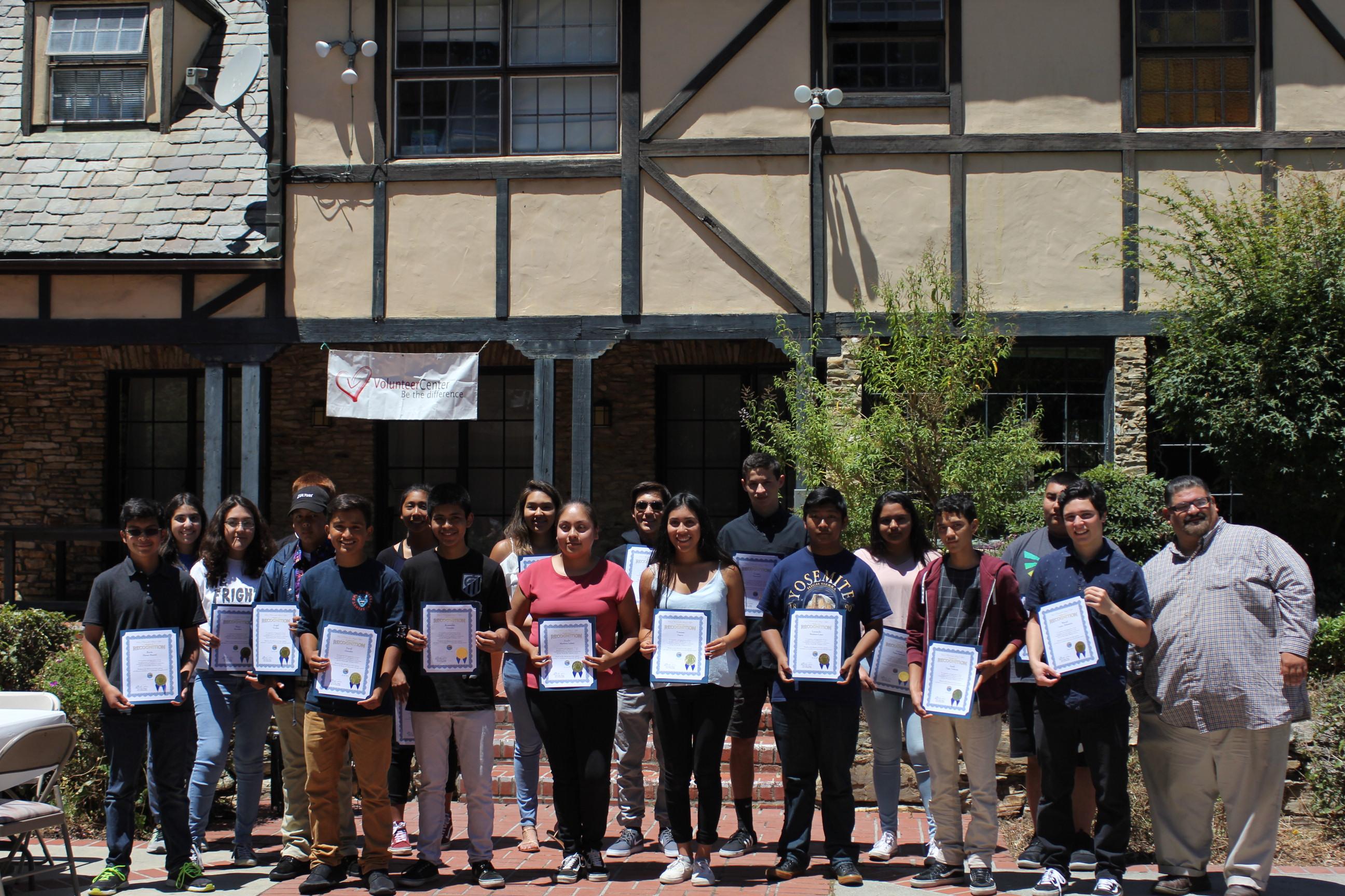 YouthSERVE volunteers