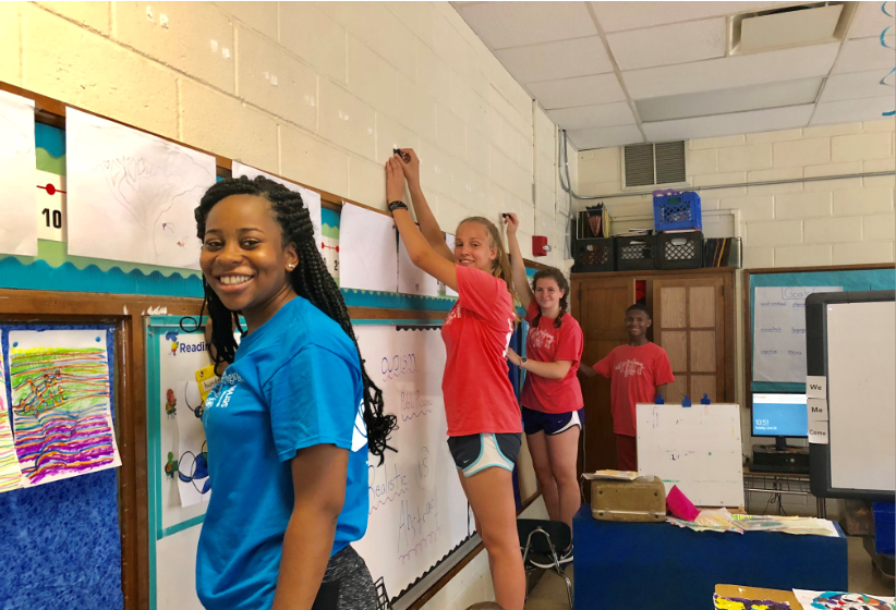 YouthServe campers prepare elementary school classroom for fall