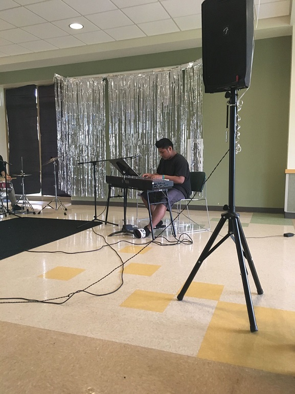 Lawrence Hall foster youth receives music therapy