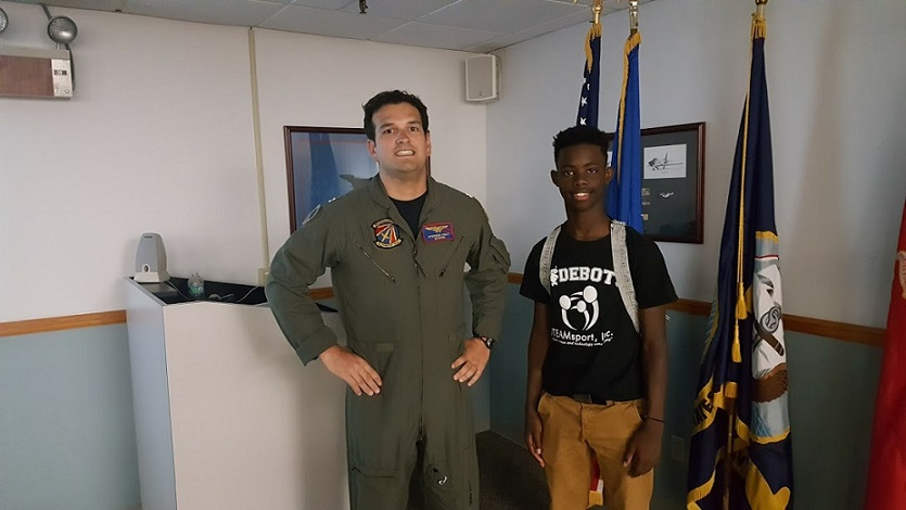 Students converse with pilots during Delta Dream Flight 2016